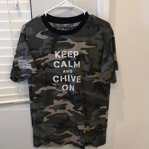 Other - Men's chive T-shirt